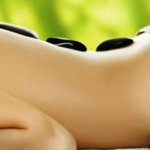 Massage đá nóng đào thải độc tố